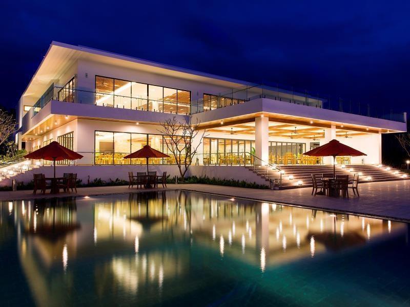 Cam Ranh Riviera Beach